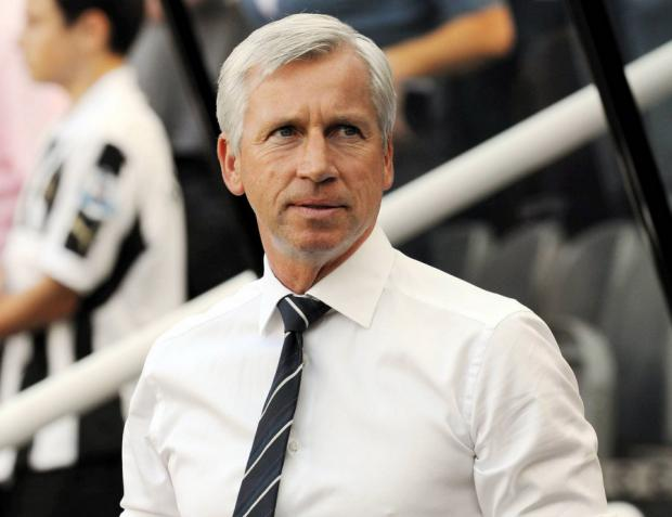 Pardew defends August transfer policy