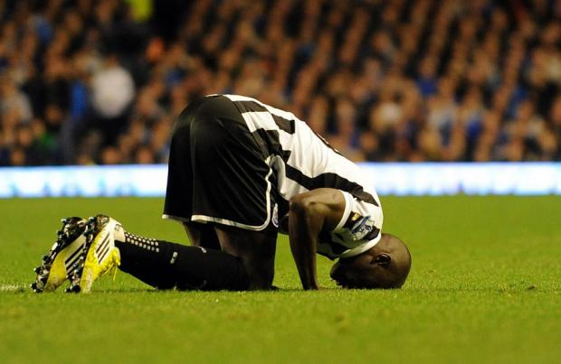NO SUBSTITUTE: Demba Ba celebrates his first goal of the evening against Everton at Goodison Park