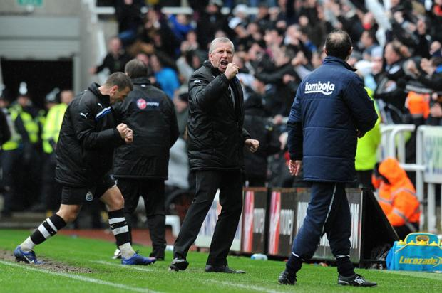 OPPOSITE NUMBERS: Alan Pardew celebrates Newcastle's late equaliser against Sunderland at St James' Park last season as Martin O'Neill looks on